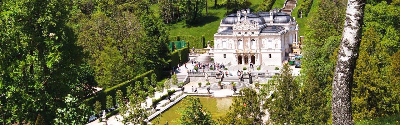 замок линдерхов, монастырь этталь, оберамменгау, Экскурсия в замок Нойшванштайн, замок Линдерхоф, монастырь Этталь, Обераммергау и церковь Вискирхе
